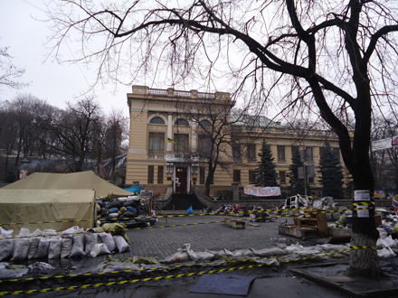 Barricades at the National Parliamentary Library; photo by Halyna Kyrychenko
